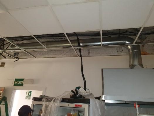 Instalación de sistemas de extracción de humos – Campana y conducto instalados