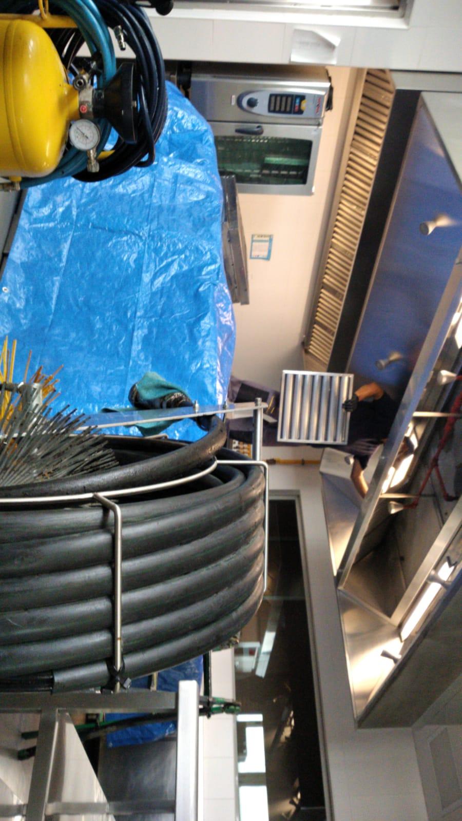Limpieza de conductos – Preparación para la limpieza, equipo espumogeno y rotadora